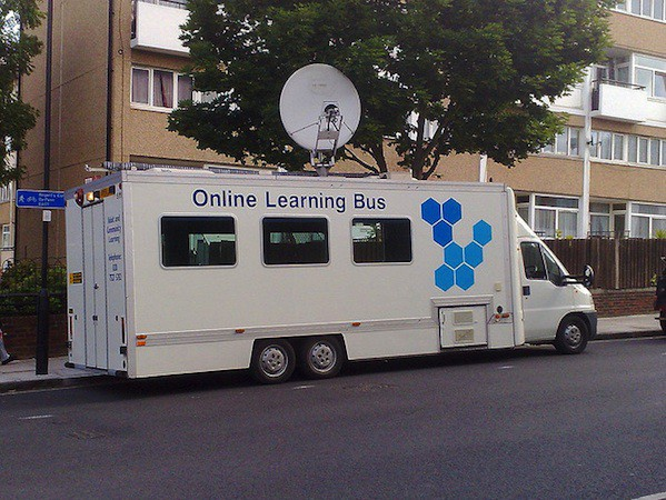 Online Learning Bus